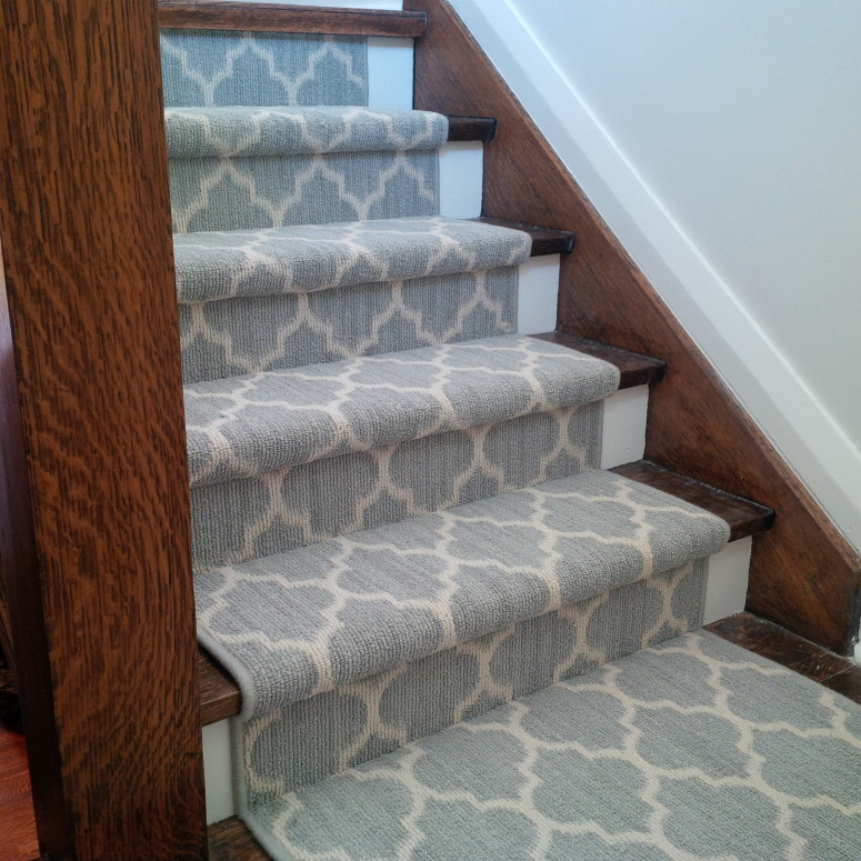 Geometric design carpet runner for stairs design