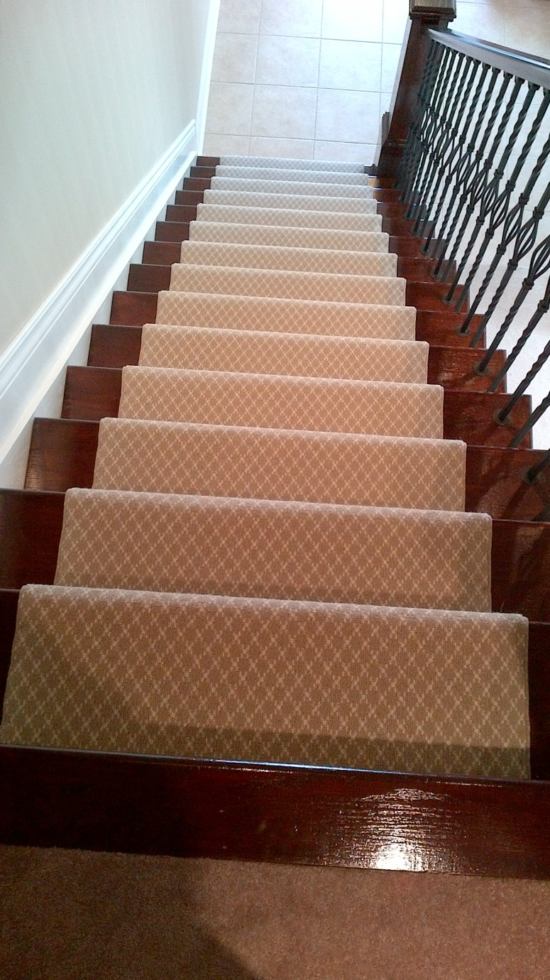 Wool carpet runner for staright stairs